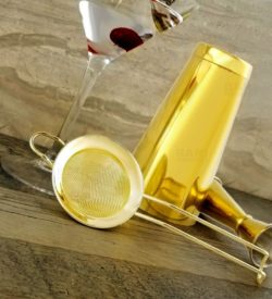 Photo of mesh strainer gold plated